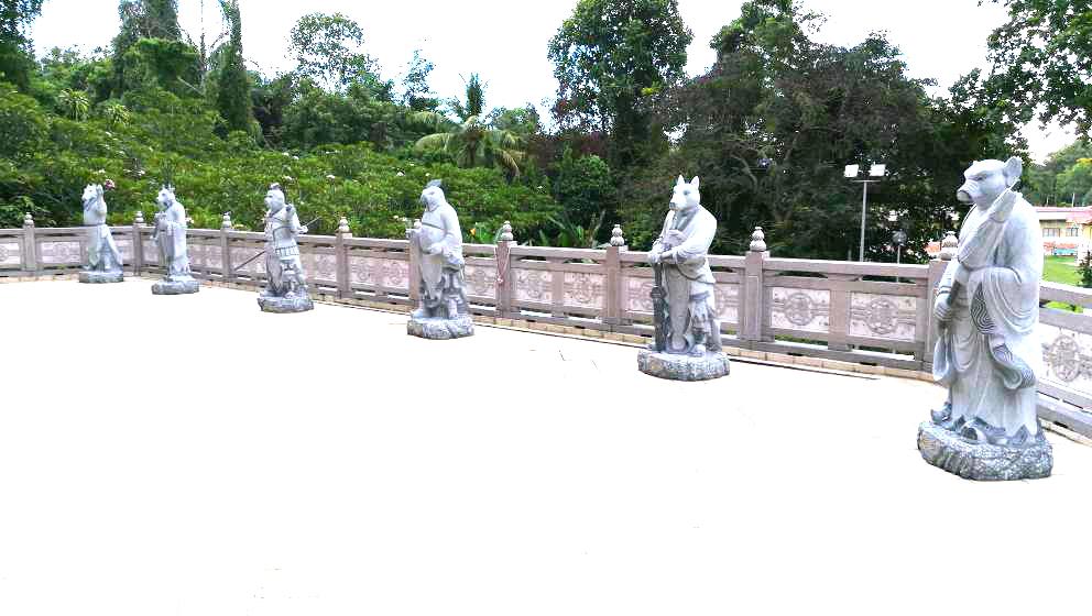 (左起)午馬、未羊、申猴、酉雞、戍狗、亥豬