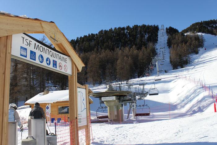 Départ skis aux pieds grâce au télésiège du Montquitaine