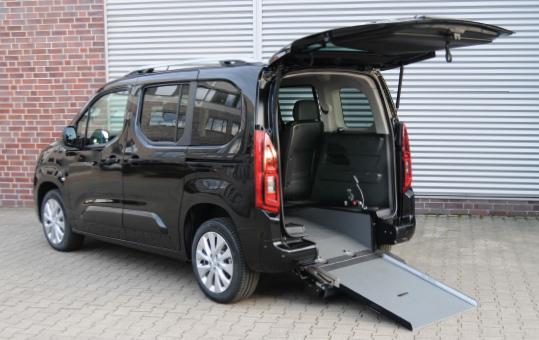 Opel Combo Life, Beifahrerumbau, Heckausschnitt