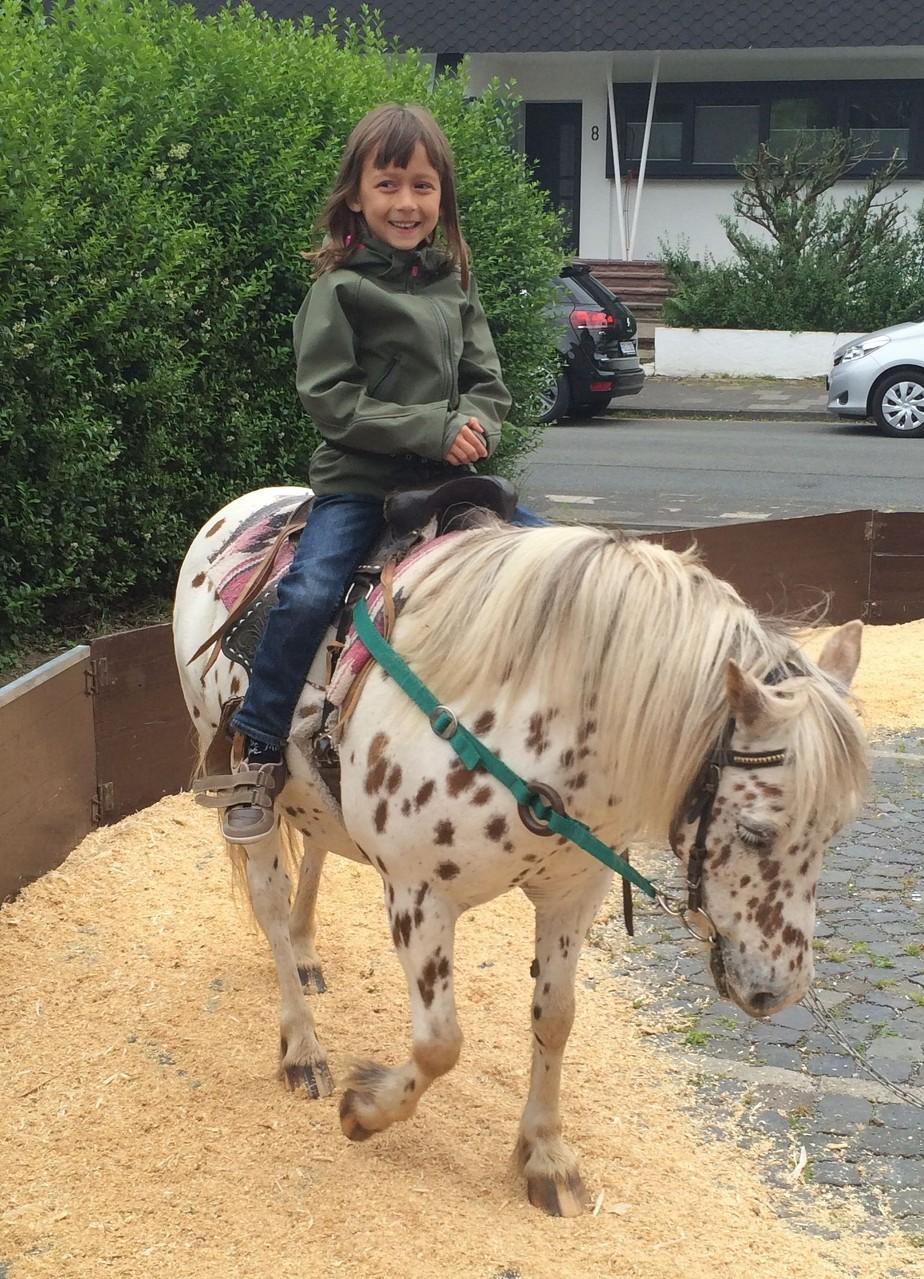 Juni 2014 zu Pferd