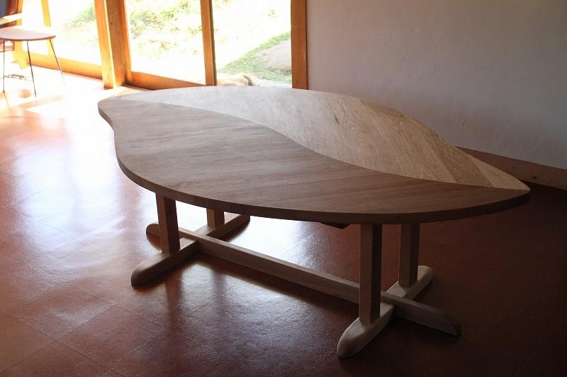 葉っぱのテーブル