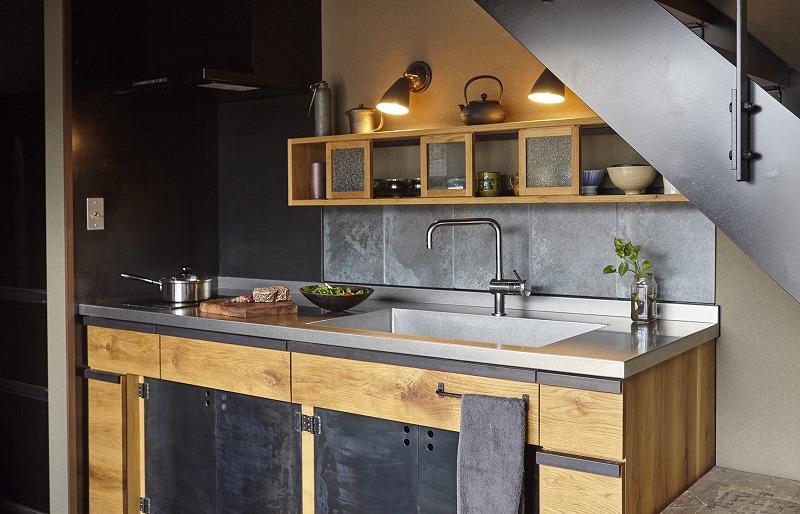 男のキッチン 黒皮鉄キッチン 黒いキッチン キッチンリフォーム