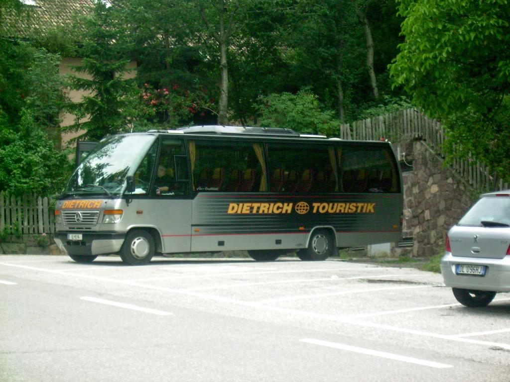 mit dem Bus ging es  zurück ins Tal