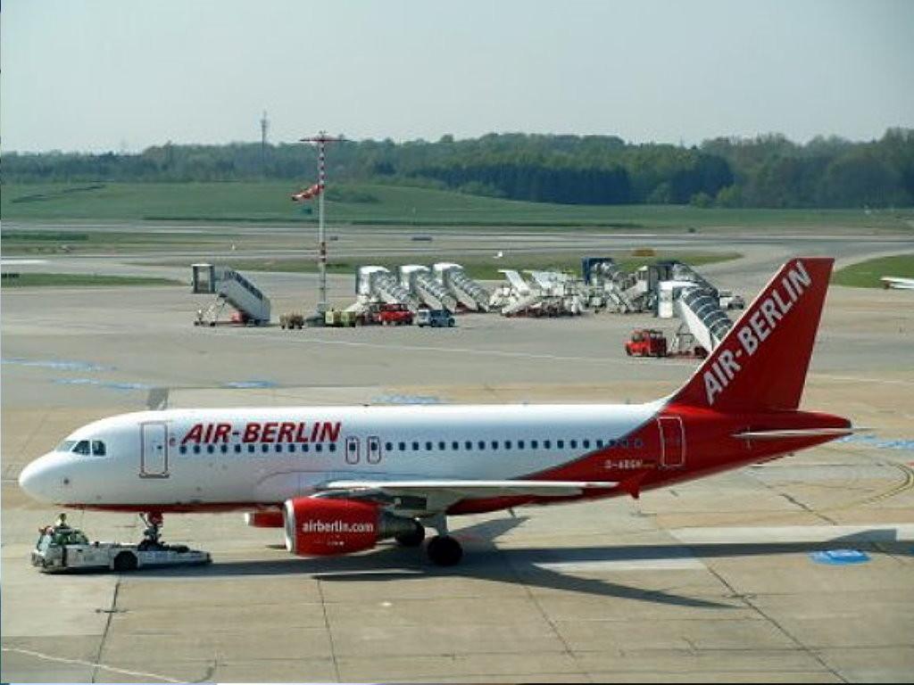 mit Air-Berlin von München nach Hamburg
