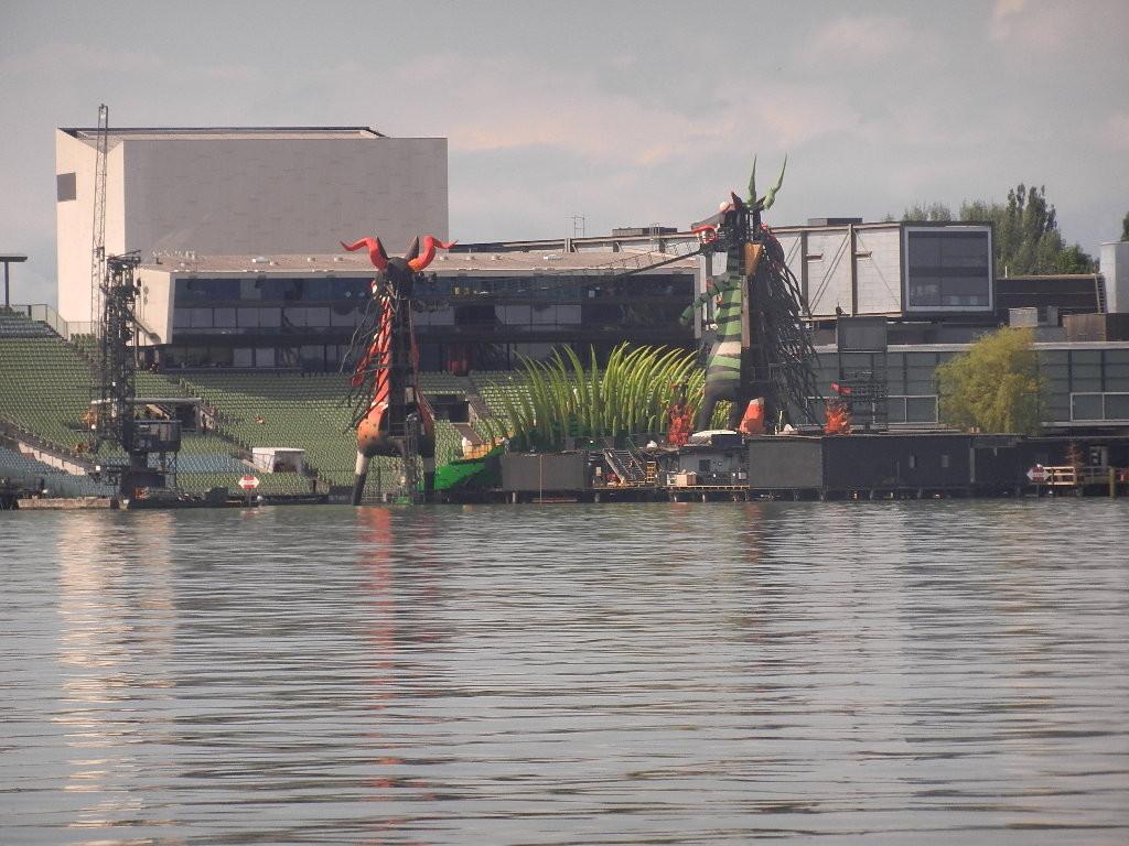 Rückseite - Bühnenbild-Bregenzer Festspiele