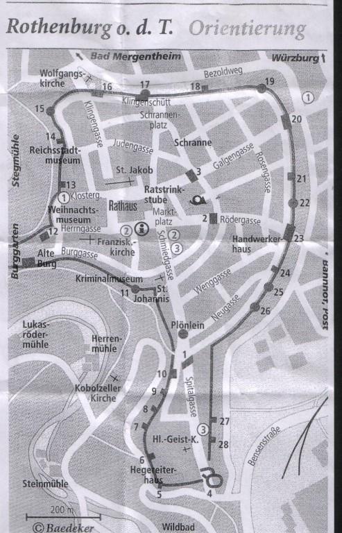 Rothenburg ist von einer über drei Kilometer langen Stadtmauer umgeben