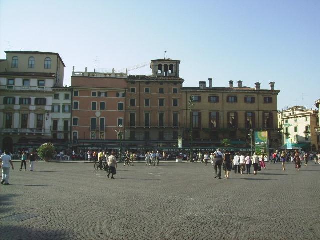Verona (Platz vor der der Arena)