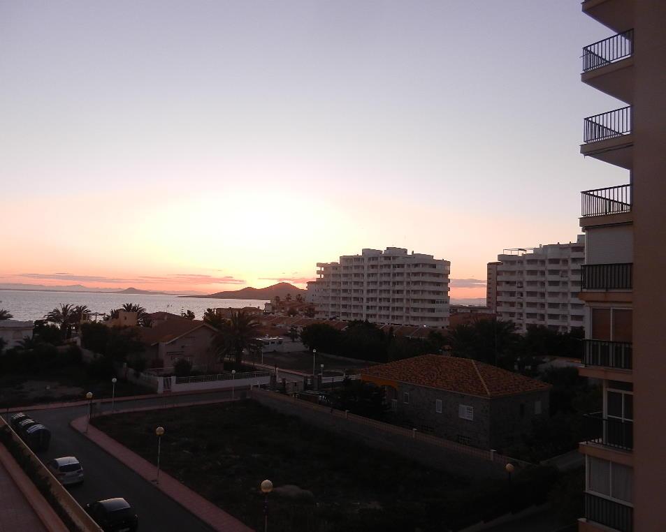 Sonnenuntergang am ersten Abend - vom  Balkon des Hotels  - aufgenommen
