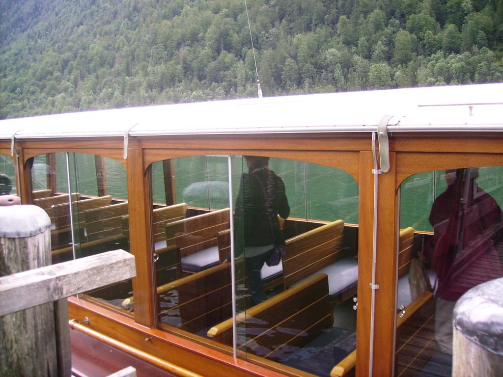 mit dem Boot  zurück nach Schönau