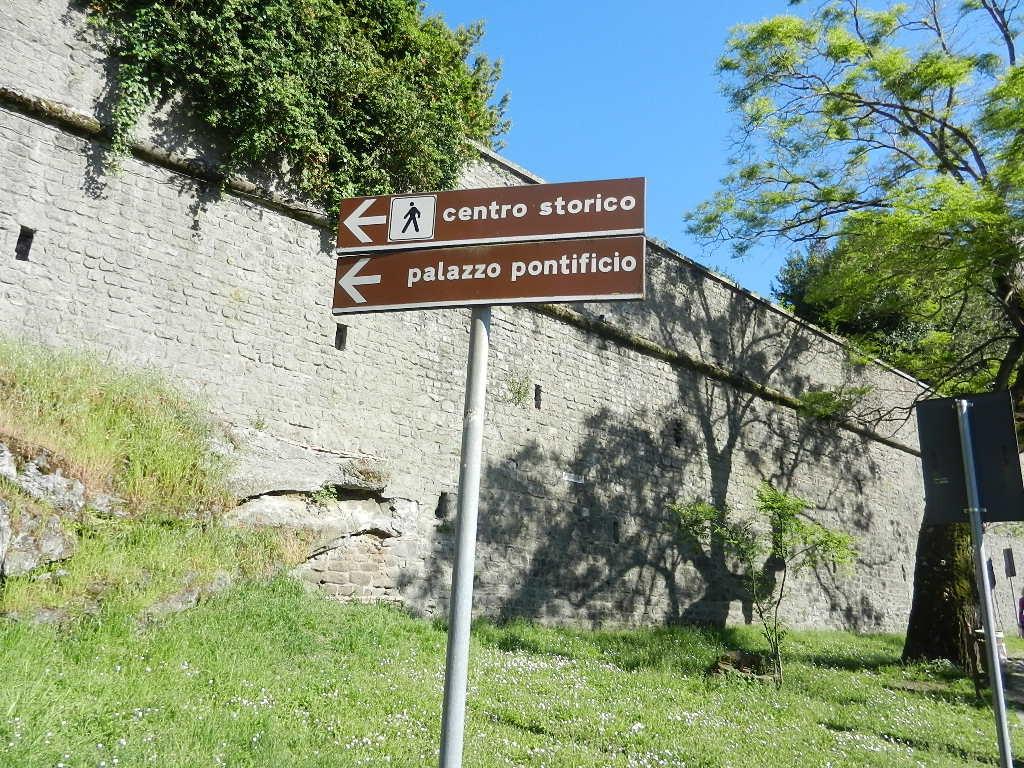 zu Fuß ging es nach Castel Gandolfo