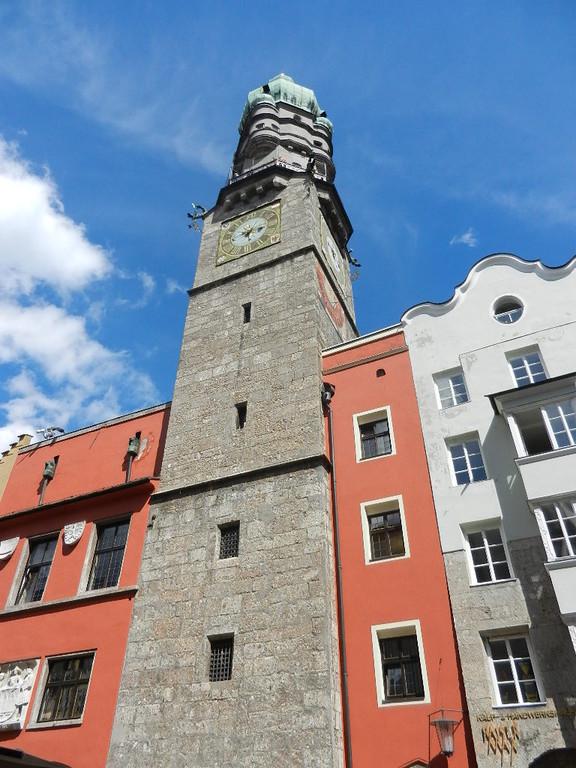 """in der Altstadt - der Stadtturm von """"unten""""  -148 Stufen (kein Lift)"""
