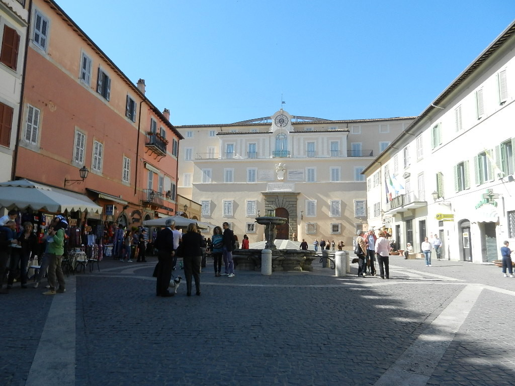 Hauptplatz v. Castel Gandolfo