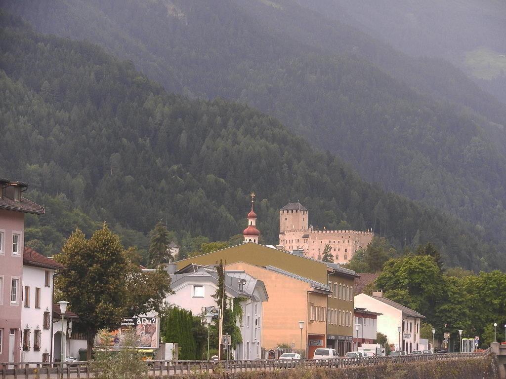 Blick auf Schloss Bruck