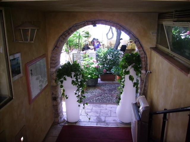 romantischer Hinterhof