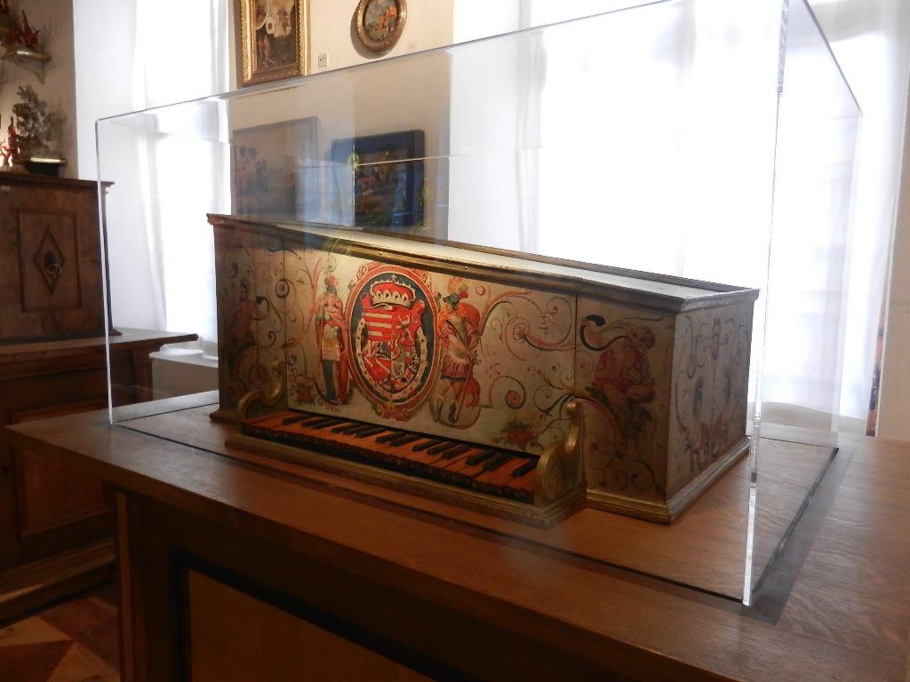 Glasglockenklavier - aus der 2. Hälfte d. 16. Jhd.