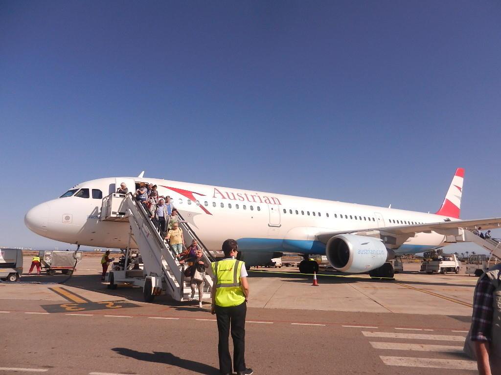 Landung bei strahlendem Wetter auf dem Flughafen Murcia - San Javier