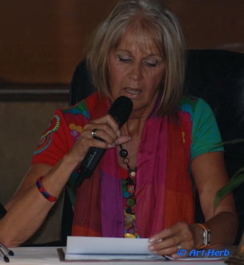 Susanne Praunegger bei ihrem Vortrag einmal so....