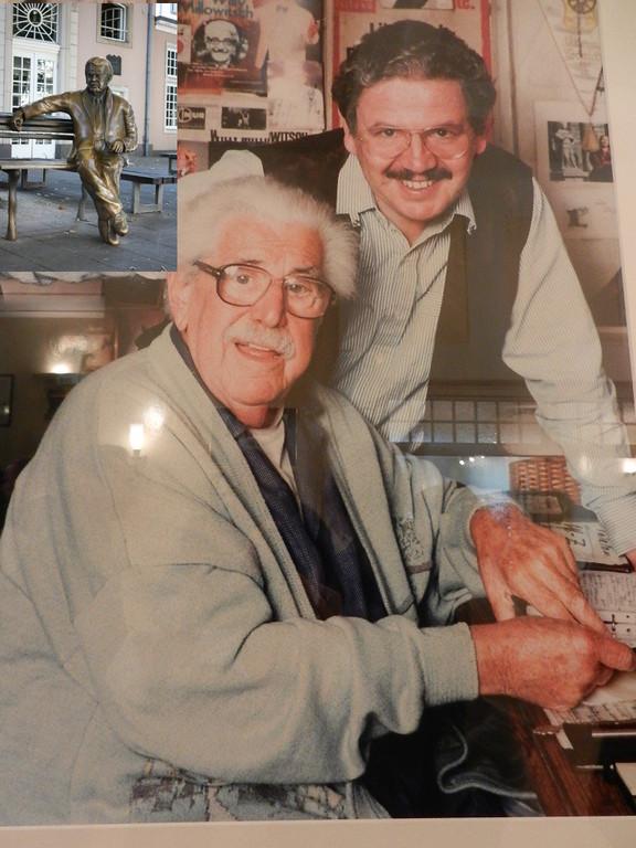 Vater u. Sohn Millowitsch - eines der vielen Bilder im Theater
