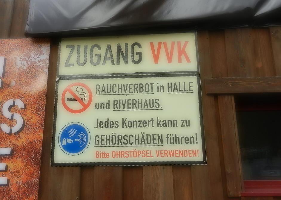 """im """"Area 47"""" Freizeitzentrum - Konzertbesuch mit Ohrstöpsel:-)"""