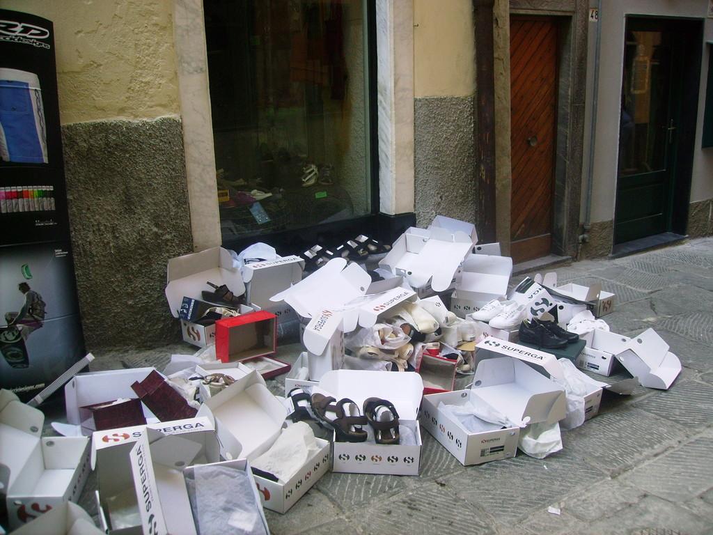 Schuhverkauf in Lerici
