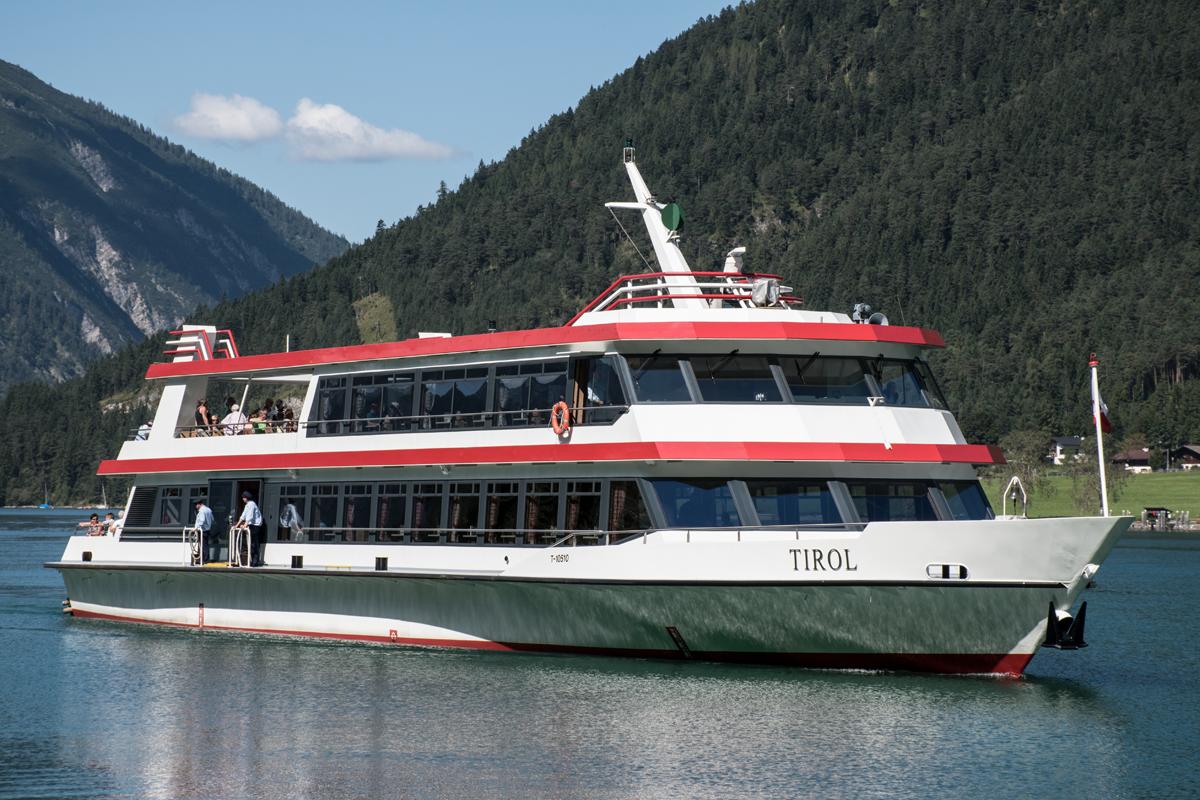 """mit dem Schiff Tirol - Rundfahrt auf dem See - Ausgang ist der """"Seespitz"""""""