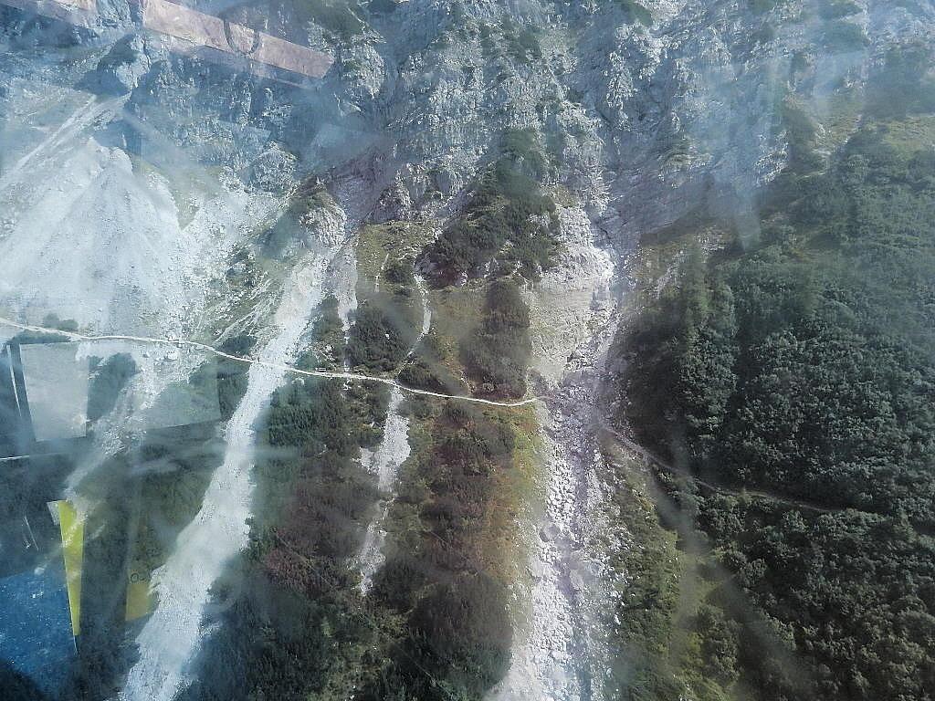 Aufnahme aus der Gondel bei der Talfahrt