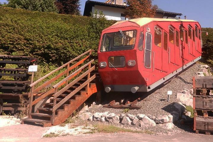 ein Wagen von der alten Hungerburgbahn in Innsbruck
