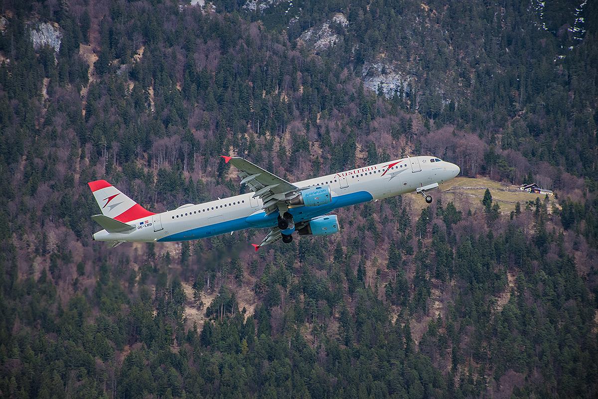 Abflug v. Flughafen Innsbruck - 4.April 2018 - hat mein Sohn fotografiert - ich war im Flugzeug :-)