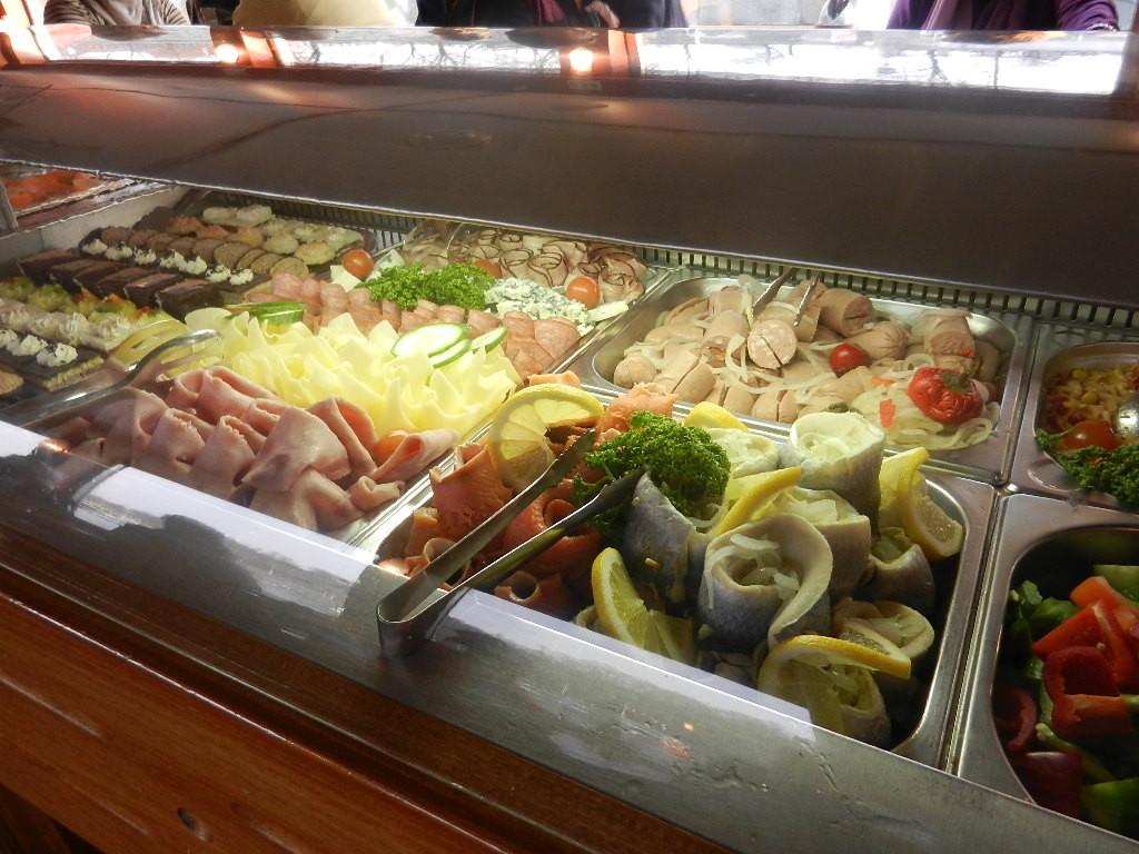 und gutem Essen:-) - ist nur ein Teil des Buffet