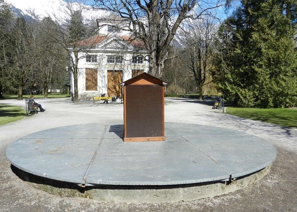 der Brunnen im Hofgarten hat noch immer Winterpause...