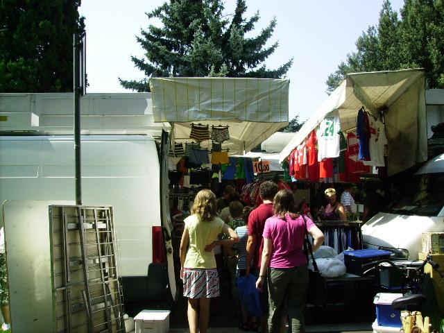 """Zwischenstop in Garda - """"Besuch"""" des Wochenmarktes...."""