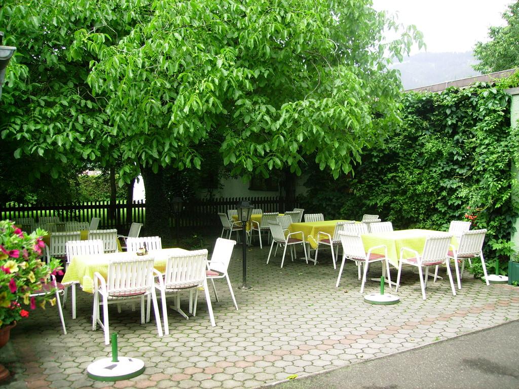 der Gastgarten unseres Treffpunkts - leider hat es geregnet