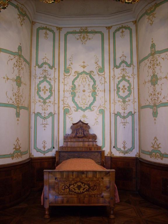 in diesem Bett hat schon Napoleon geschlafen