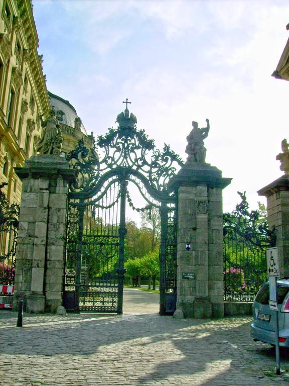 Eingang zum Hofgarten der Residenz