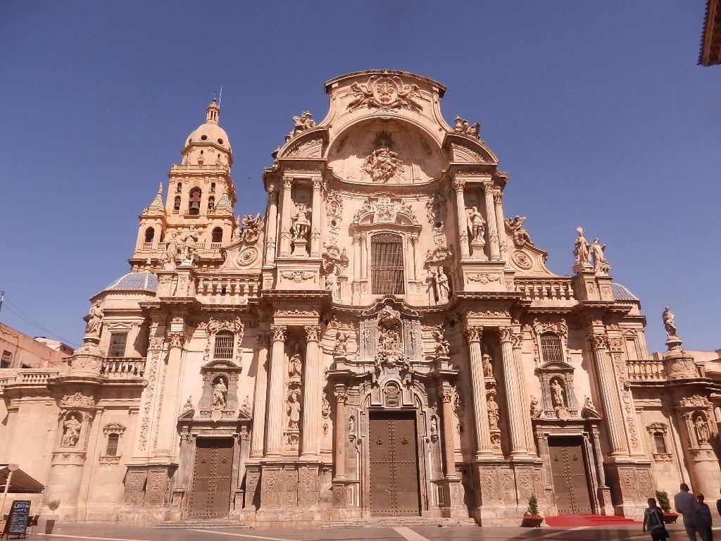 Kathedrale de Santa Maria  ist eines der Wahrzeichen  der Stadt Murcia