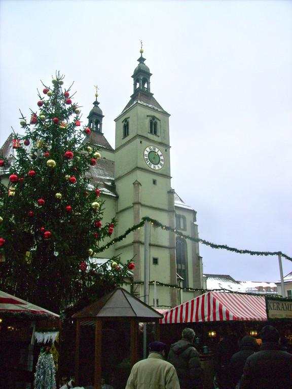 beim Christkindlmarkt in der Stadt
