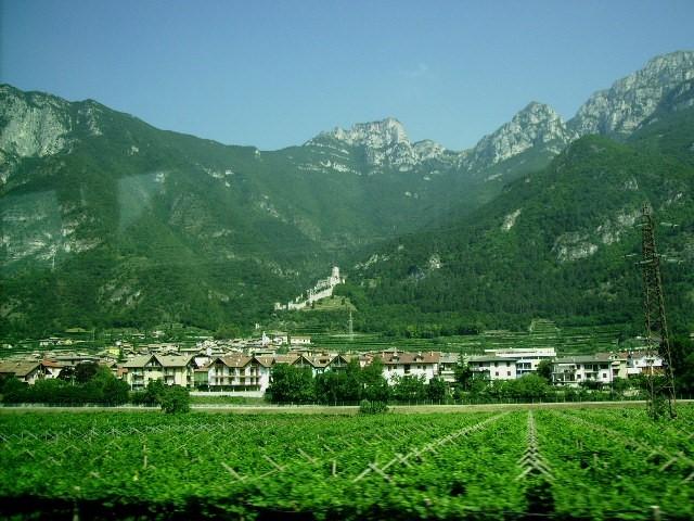 vorbei an den zahlreichen Burgen in Südtirol....
