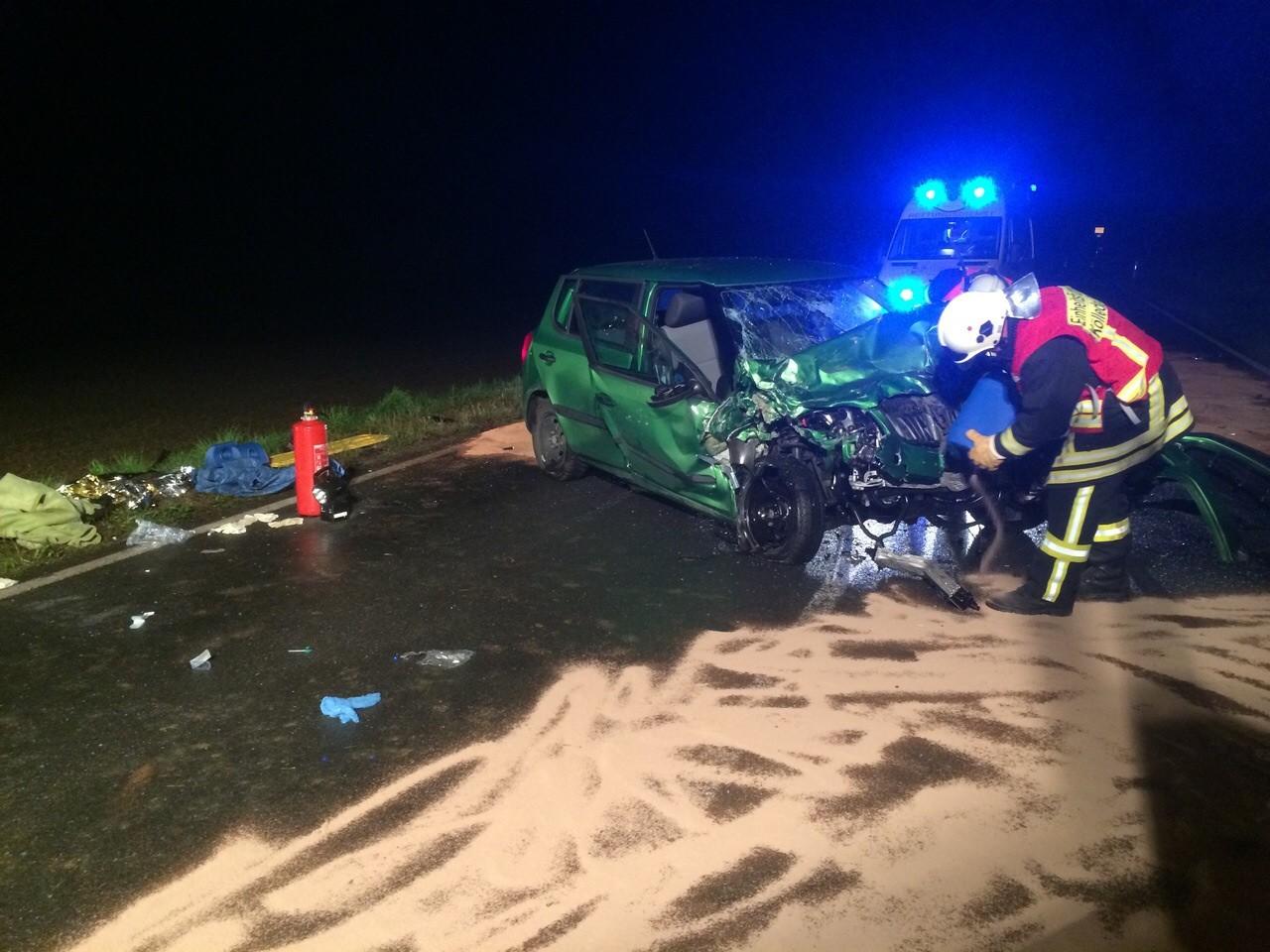 Verkehrsunfall auf der B176 - Freiwillige Feuerwehr Kölleda