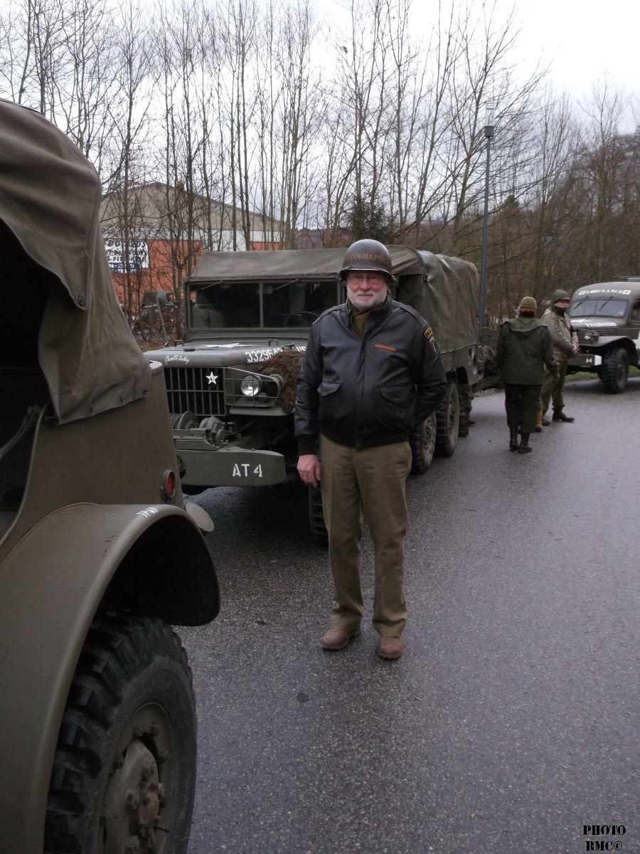 Gilles rejoint son véhicule