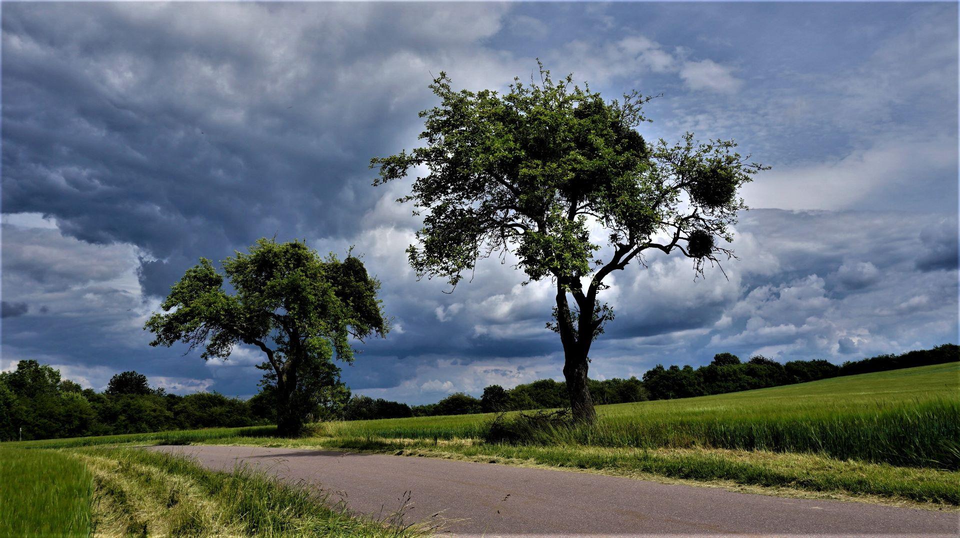 Bedrohliche Wolken bei Berus