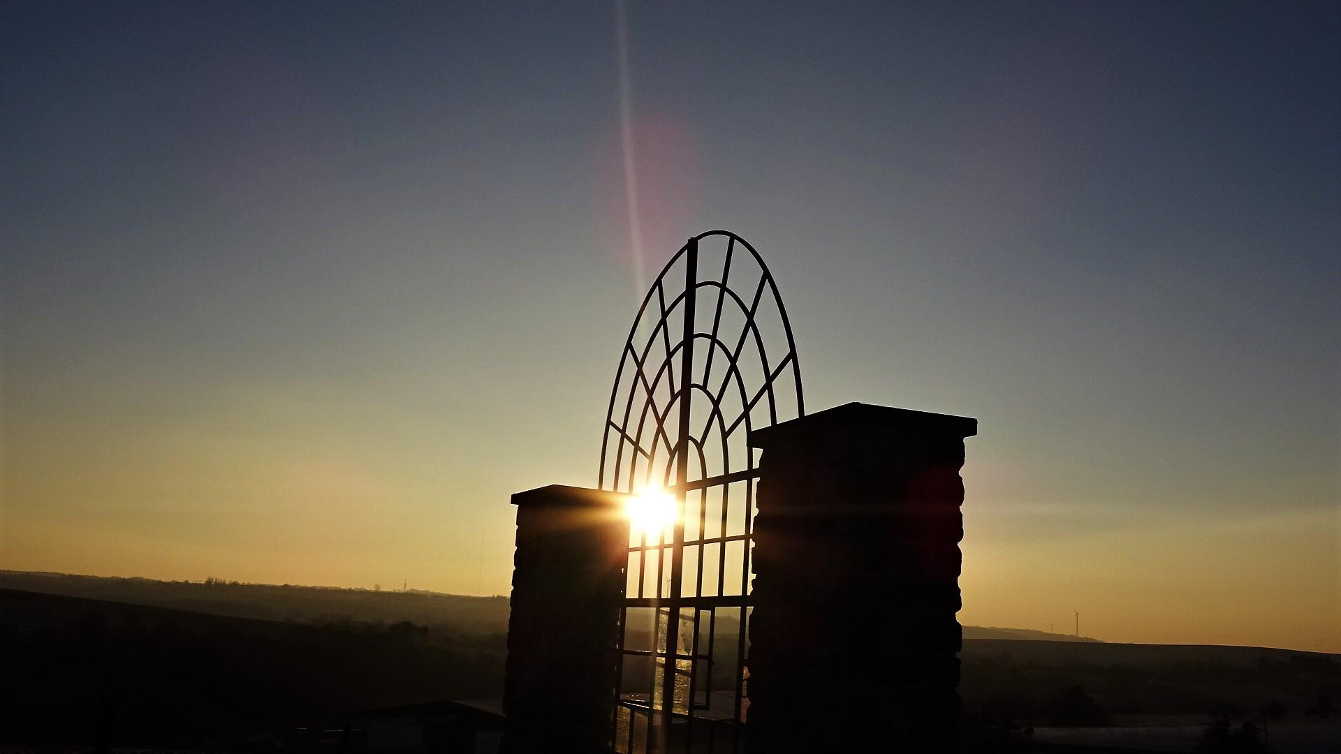 Sonnenaufgang am Grenzblickfenster in Leidingen