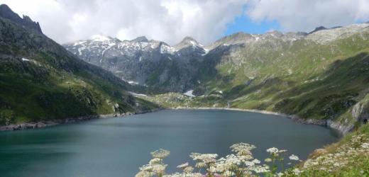 Im Gotthardmassiv lagern rund sieben Prozent der europäischen Wasservorräte Europas. Im Bild zu sehen: der Lucendro-Stausee. (Bild: Alexandra Kohler)