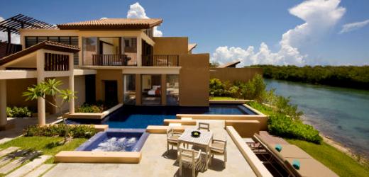 Platz sieben: Banyan Tree Mayakoba, Playa del Carmen, Mexiko. Preis: ab 500 Franken pro Nacht. Mitten im Mangrovenwald versteckt sich die riesige Hotelanlage auf der Halbinsel Yucatán.