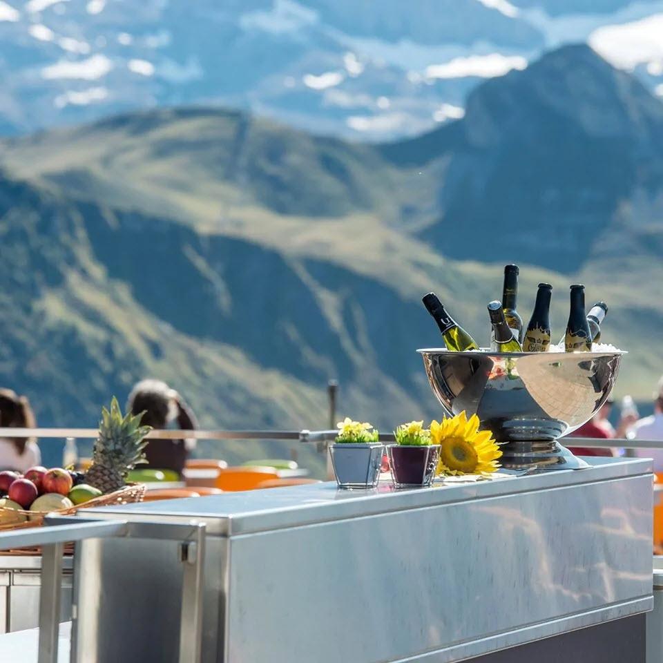 Das Bergrestaurant Sillerenbühl in Adelboden BE lockt mit gutem Essen und freundlicher Bedienung.