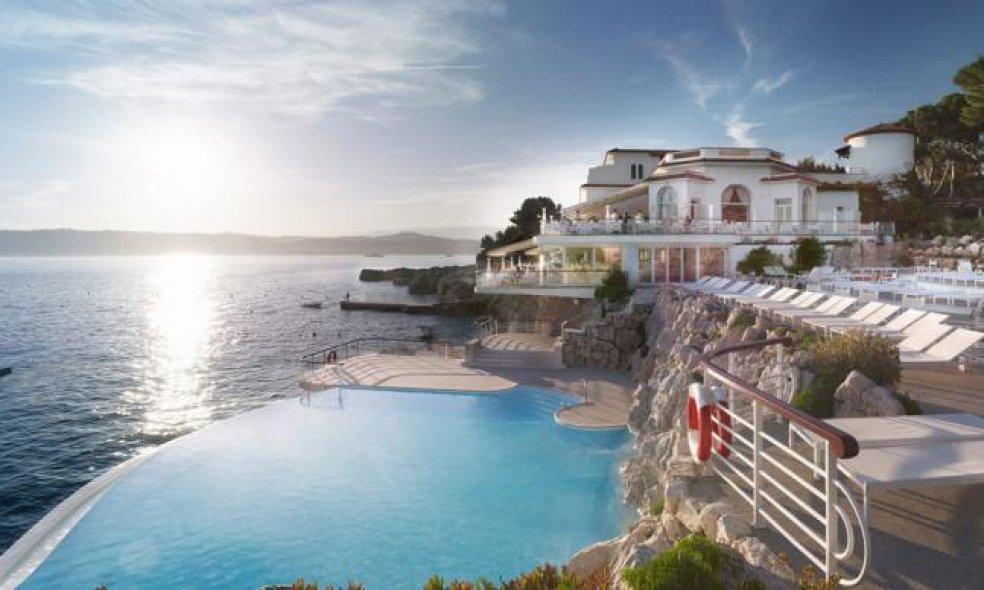 Platz 2 (Vorjahr: 5): Hôtel du Cap-Eden-Roc, Côte d'Azur Mit den kontinuierlichen Verbesserungen in Infrastruktur und Service tastete sich die Hotel-Ikone an der französischen Riviera in den letzten Jahren stetig weiter voran.