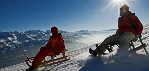 Schlitteln ist «dä Plausch» und mit einem Davoser geht es immer noch am besten.