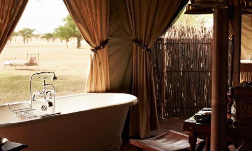 Platz 4 (Vorjahr: 2): Singita Sabi Sand Reserve, Südafrika Glücklich ist, wer sich in den beiden frisch renovierten Singita-Lodges «Ebony» und «Boulders» im Sabi-Sand-Wildreservat südwestlich des Krüger-Nationalparks eine Safari-Auszeit leisten kann.