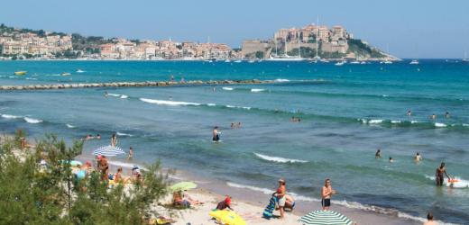 Familien finden in Korsika alles, was das Herz von Klein und Gross begehrt.
