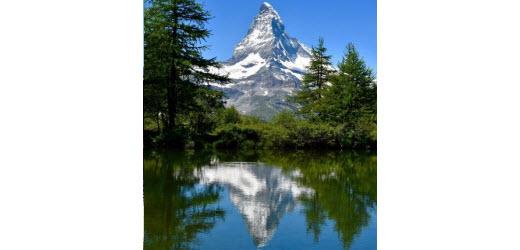 Platz sechs: Grindjisee, Zermatt VS. Kommentar von Cornelia: «Am Fünf-Seen-Weg. Zwar kein Badesee, aber eine atemberaubende Kulisse.»