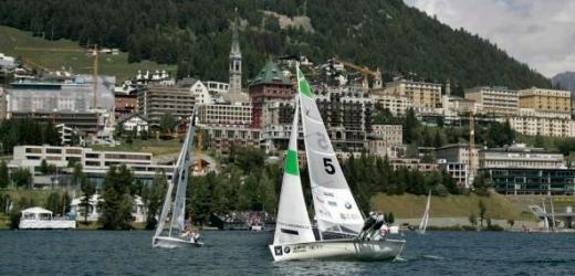 17 Prozent investieren sogar mehr als 5400 Franken für die perfekten Ferien. Im Bild: Eine Segelregatta in St. Moritz.